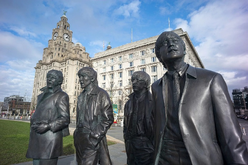 Beatles statue - free things to do in Liverpool