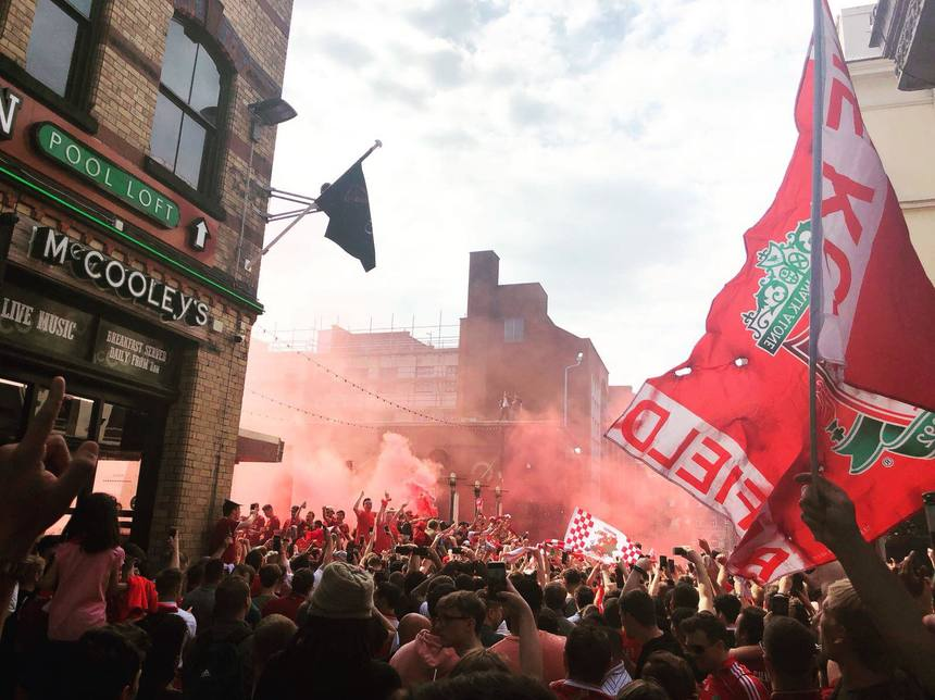 pubs showing football liverpool