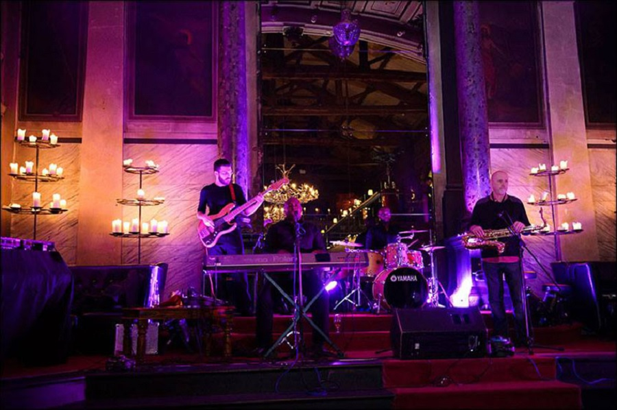 things to do in Liverpool - listen to jazz