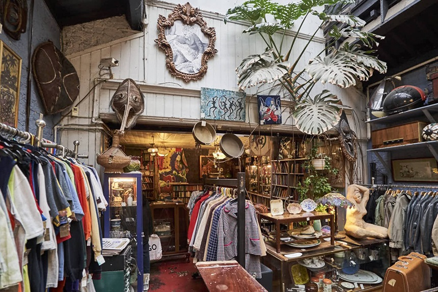 Vintage shopping - things to do in Liverpool 2018