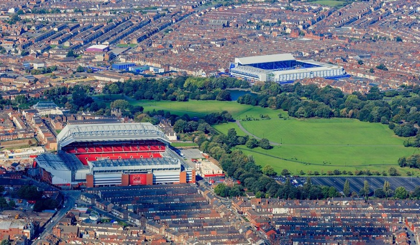 Liverpool and Everton football stadium - Merseyrail trains destinations