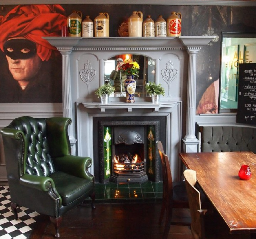 The Lodge - cosiest bars and pubs in Liverpool
